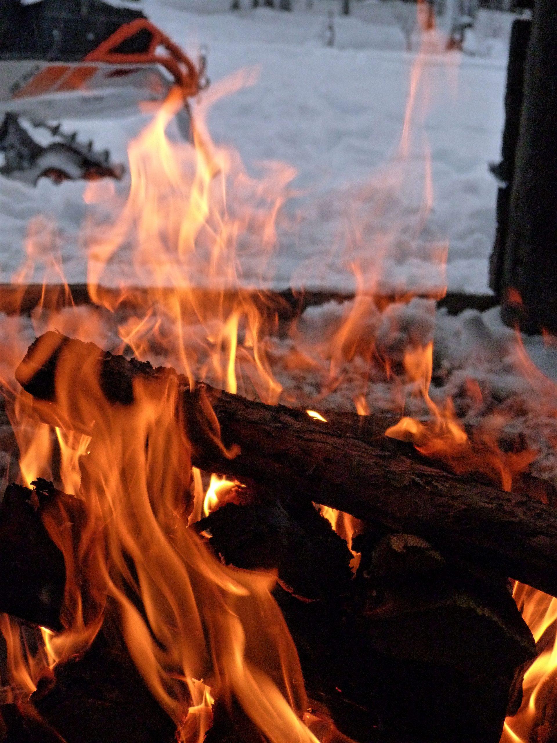 JokkmokkArcticDream-Snowmobile-fire